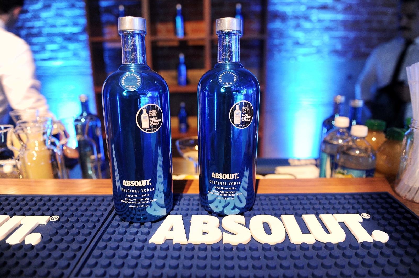 Absolut Celebrates Return Of Limited Edition Absolut Electrik Bottle