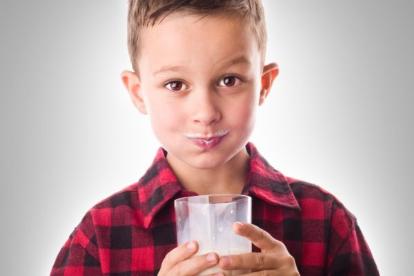 Arizona Dairy Farmers Support Education With Milk Mustache Contest