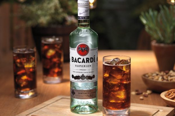 Bacardi Employees Team Up with Surfrider Foundation
