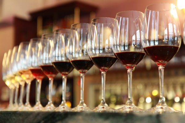 How To Become A Professional Wine Taster In The World?