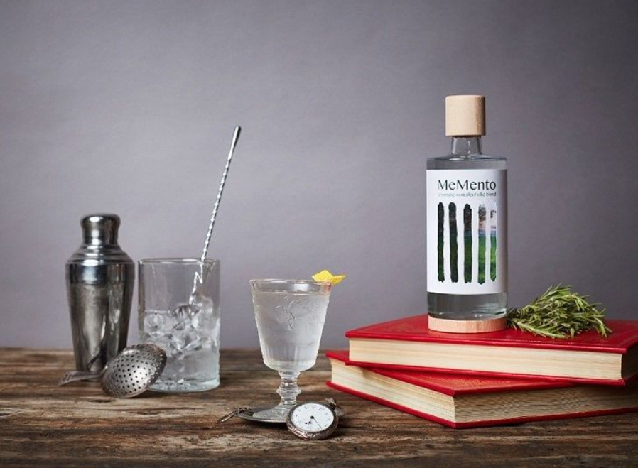 MeMento: An Aromatic Non-Alcoholic Blend