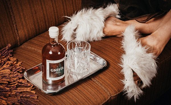 "Gnista Launches Non-Alcoholic Spirit ""Barreled Oak"""